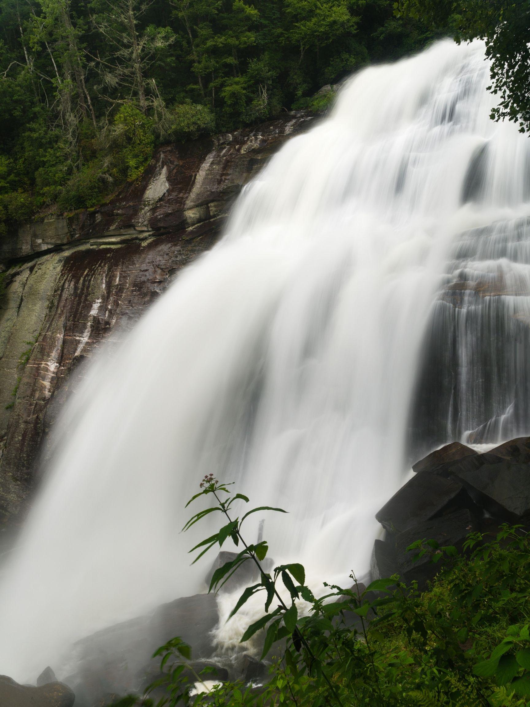 Rainbow-Falls-Trail